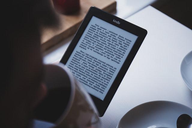Ksiazki papierowe vs e-book